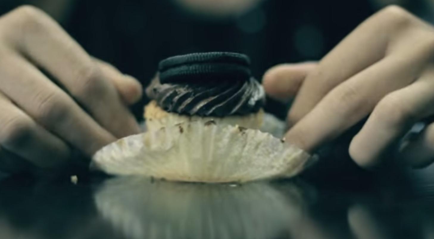 Comment manger un cupcake ?